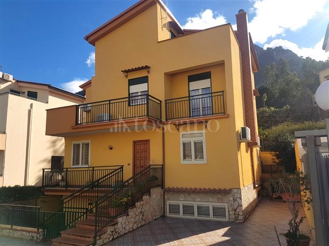 Appartamento in vendita Localit? Pantogia Arzachena
