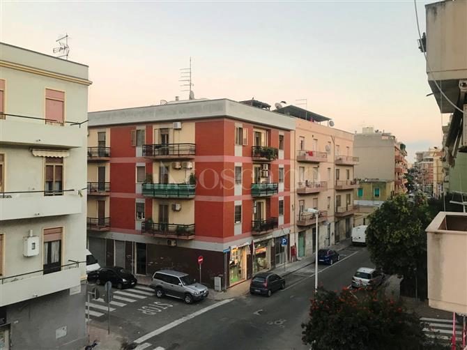 Appartamento in vendita Via Cornalias Cagliari