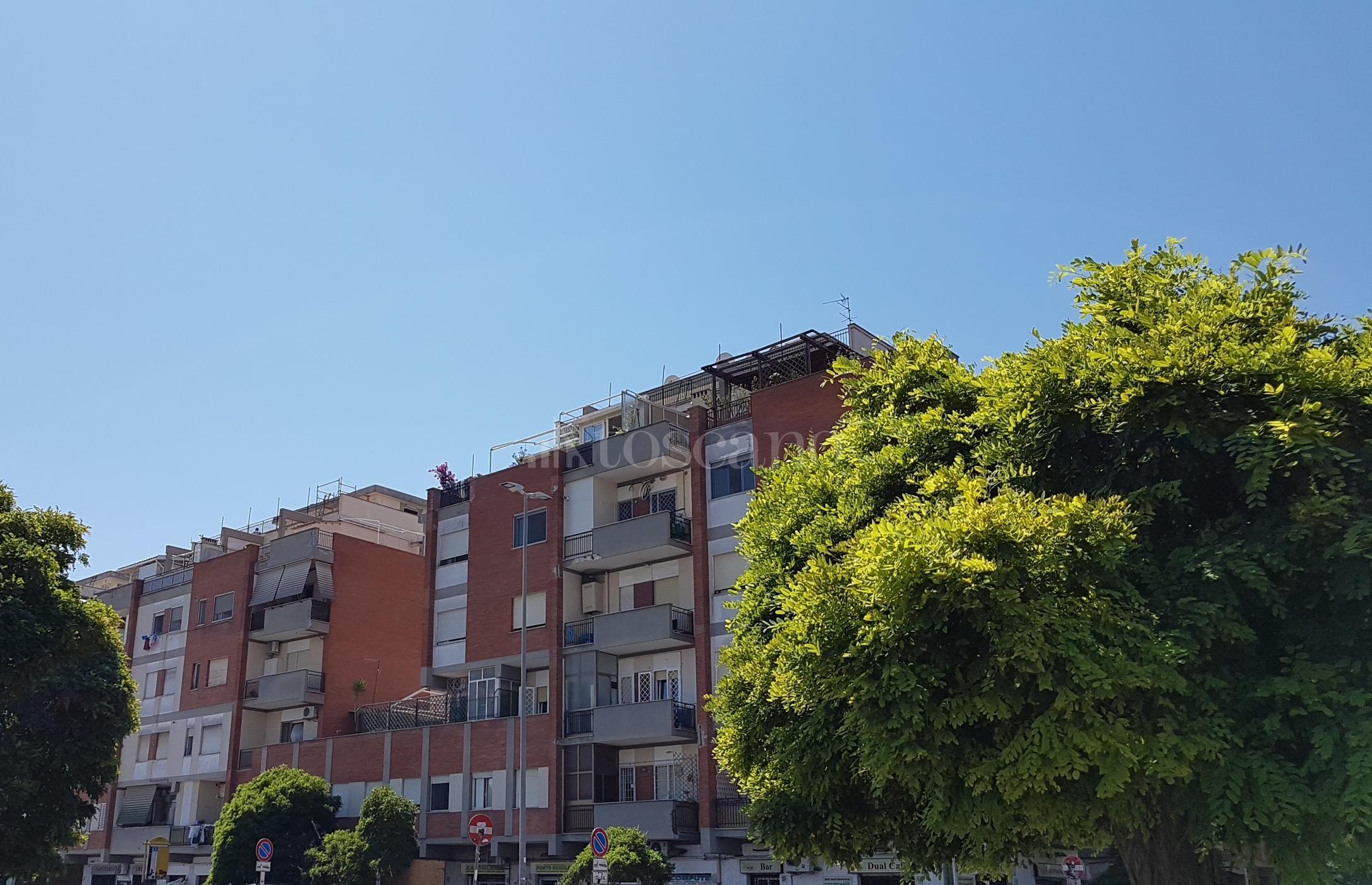 Vendita casa a roma in via capo spartivento ostia levante for Casa a roma vendita