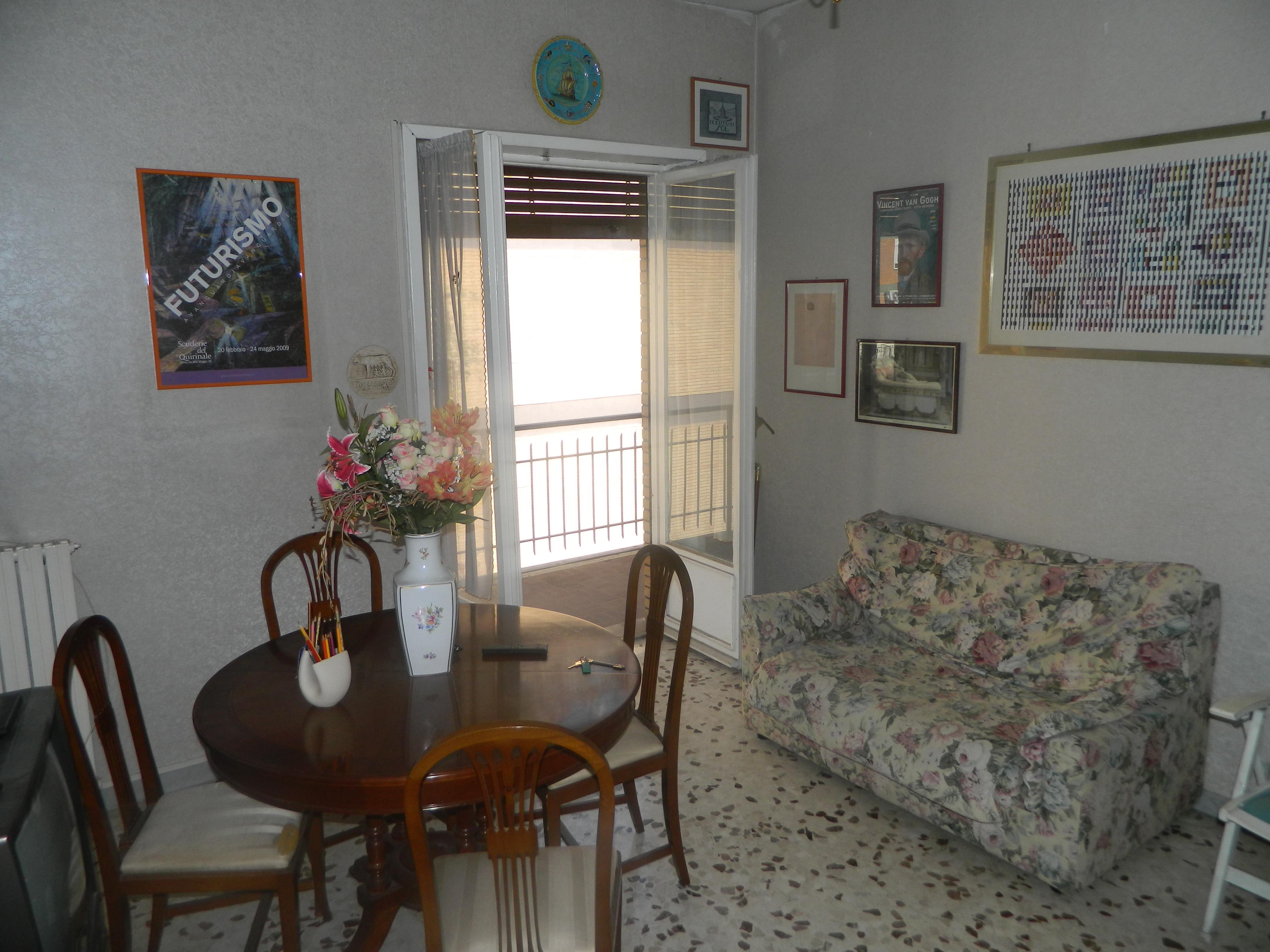 Casa a Roma in Via Lamporecchio (zona Portuense, Magliana)