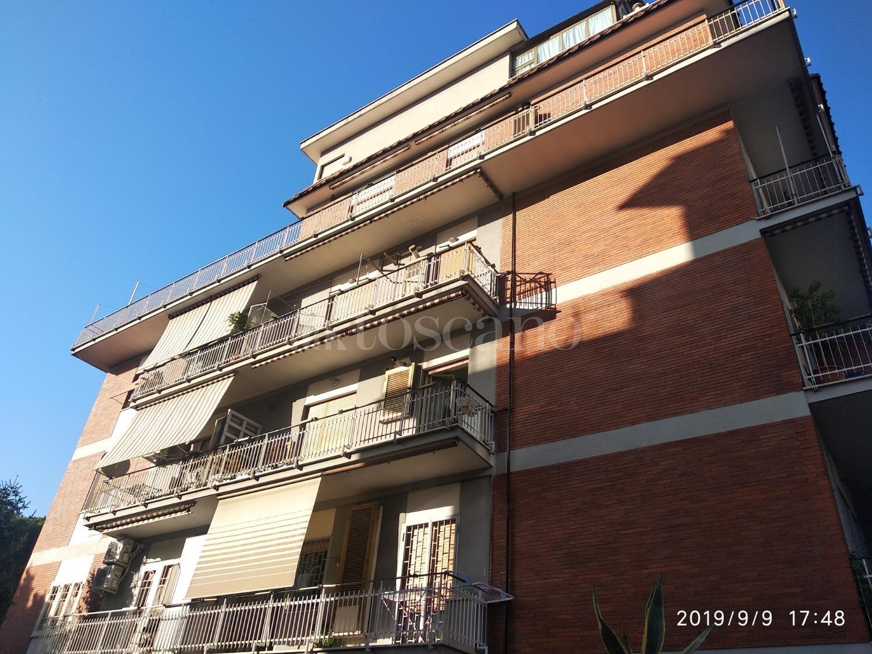 Trilocale in affitto a Roma in Via Dell'alloro
