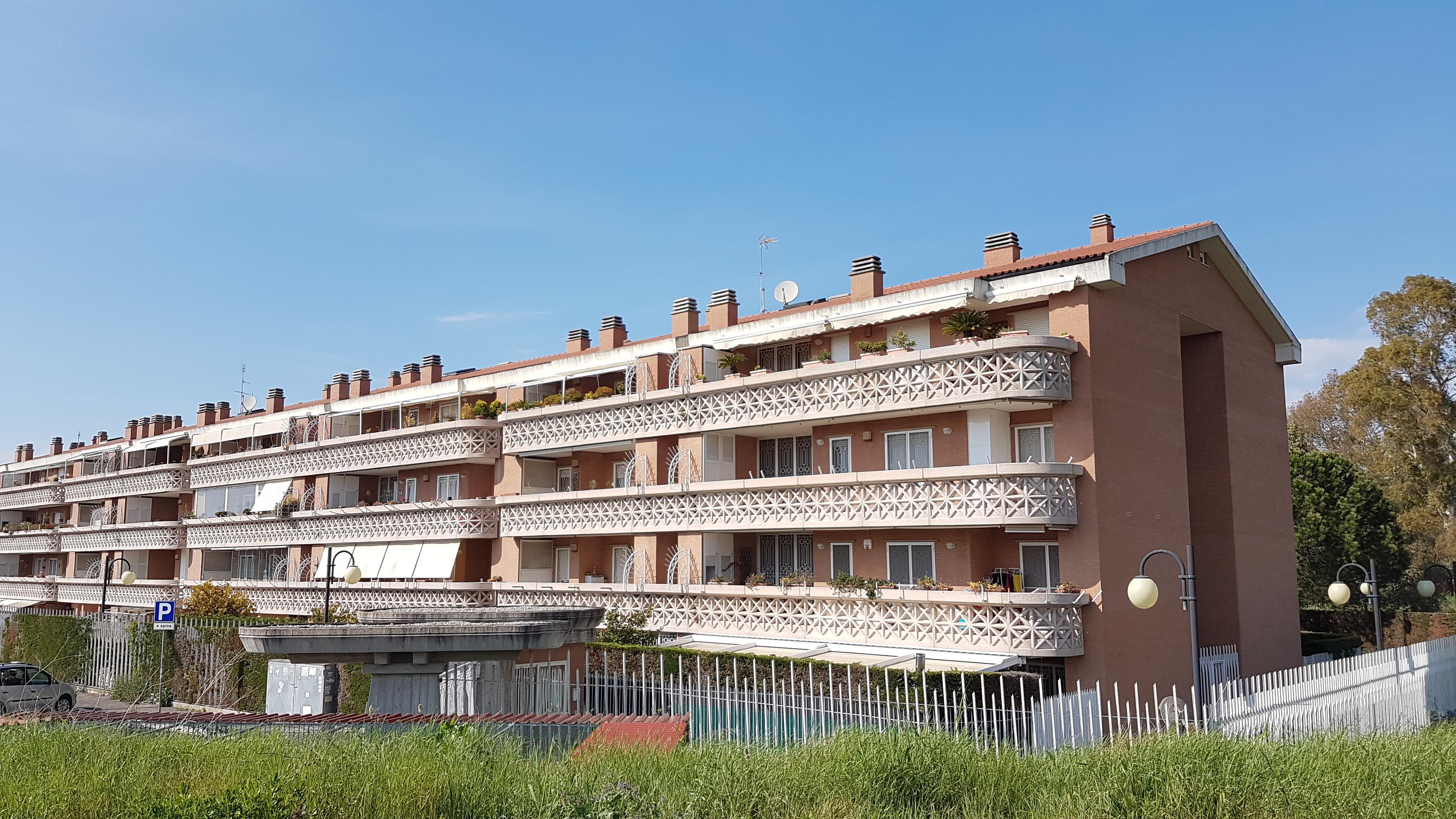 Vendita casa a roma in via massimo grillandi colle for Casa a roma vendita