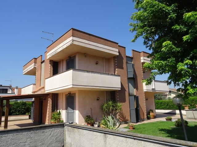 Villa in affitto a Ciampino in Via Cappalonga