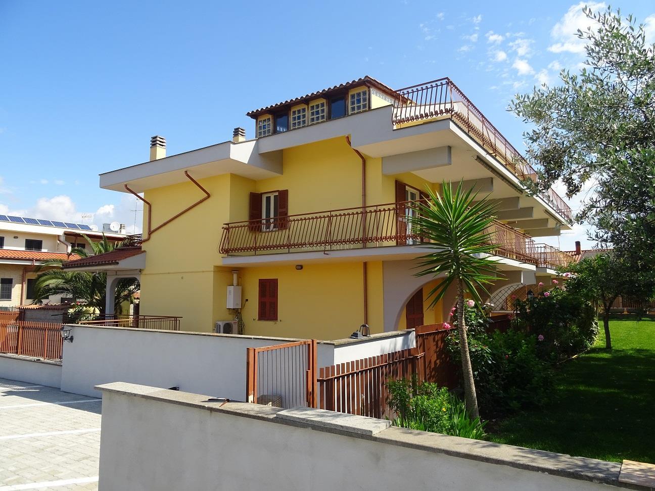 5 locali in affitto a Ciampino in Via Bologna