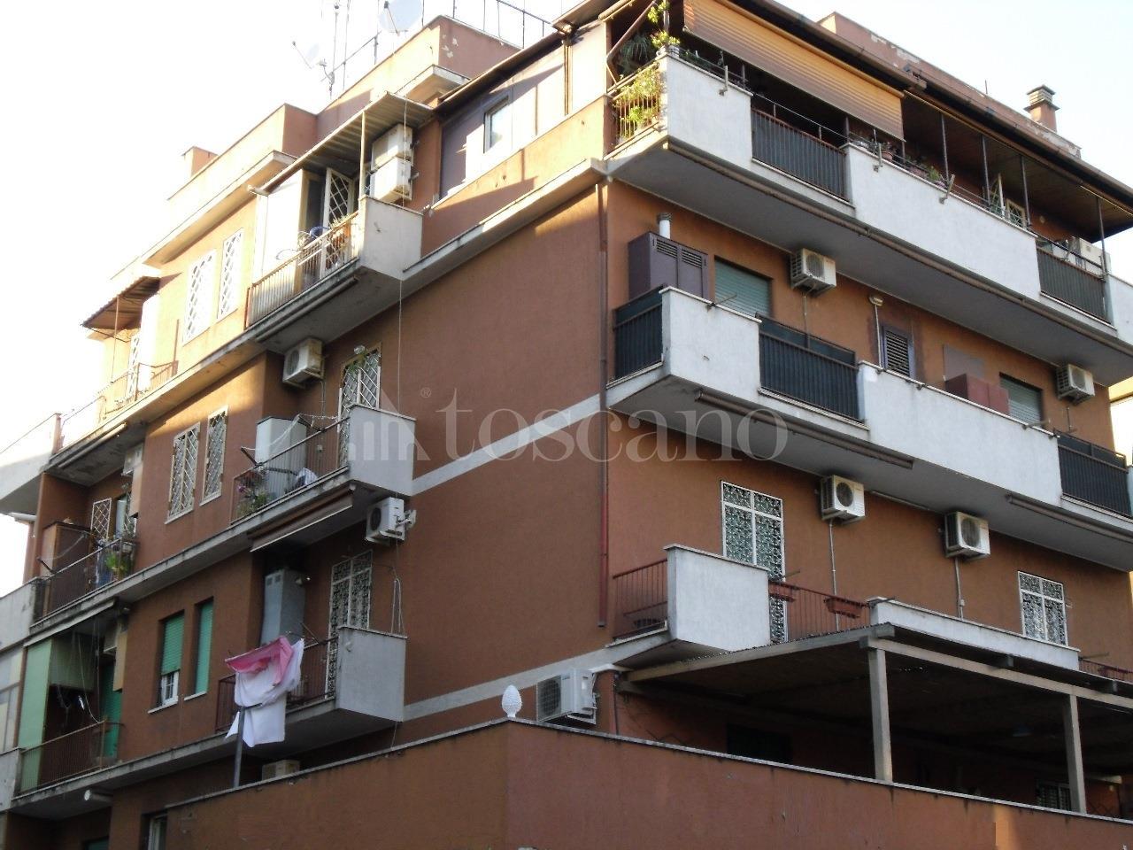 Vendita casa a roma in via dei sestili quadraro 14 2017 for Casa a roma vendita