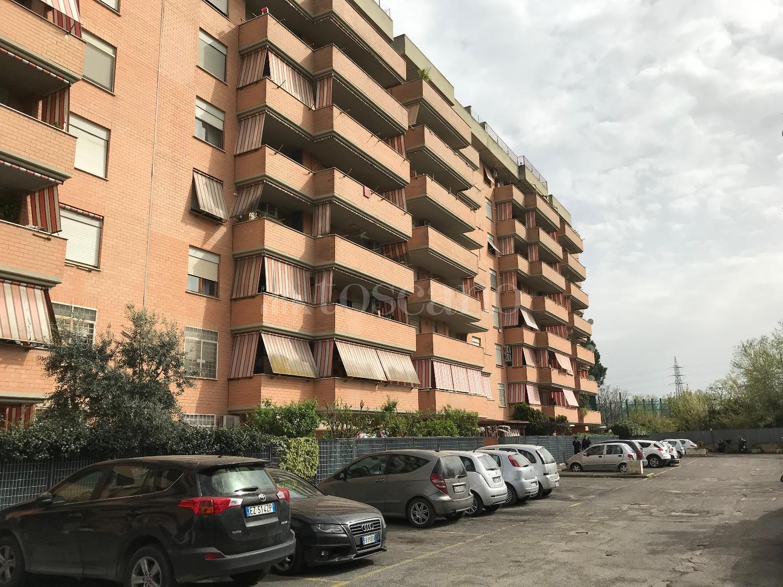Quadrilocale in affitto a Roma in Via Federico Turano