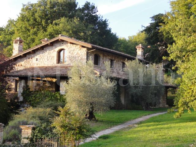 Villa in affitto a Rieti in Via Turilli