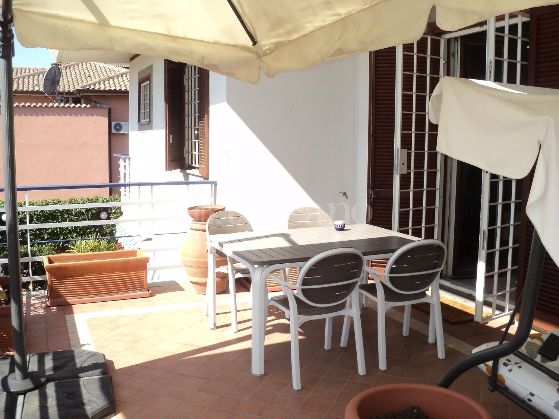 Attico in affitto a Roma in Via Taurianova