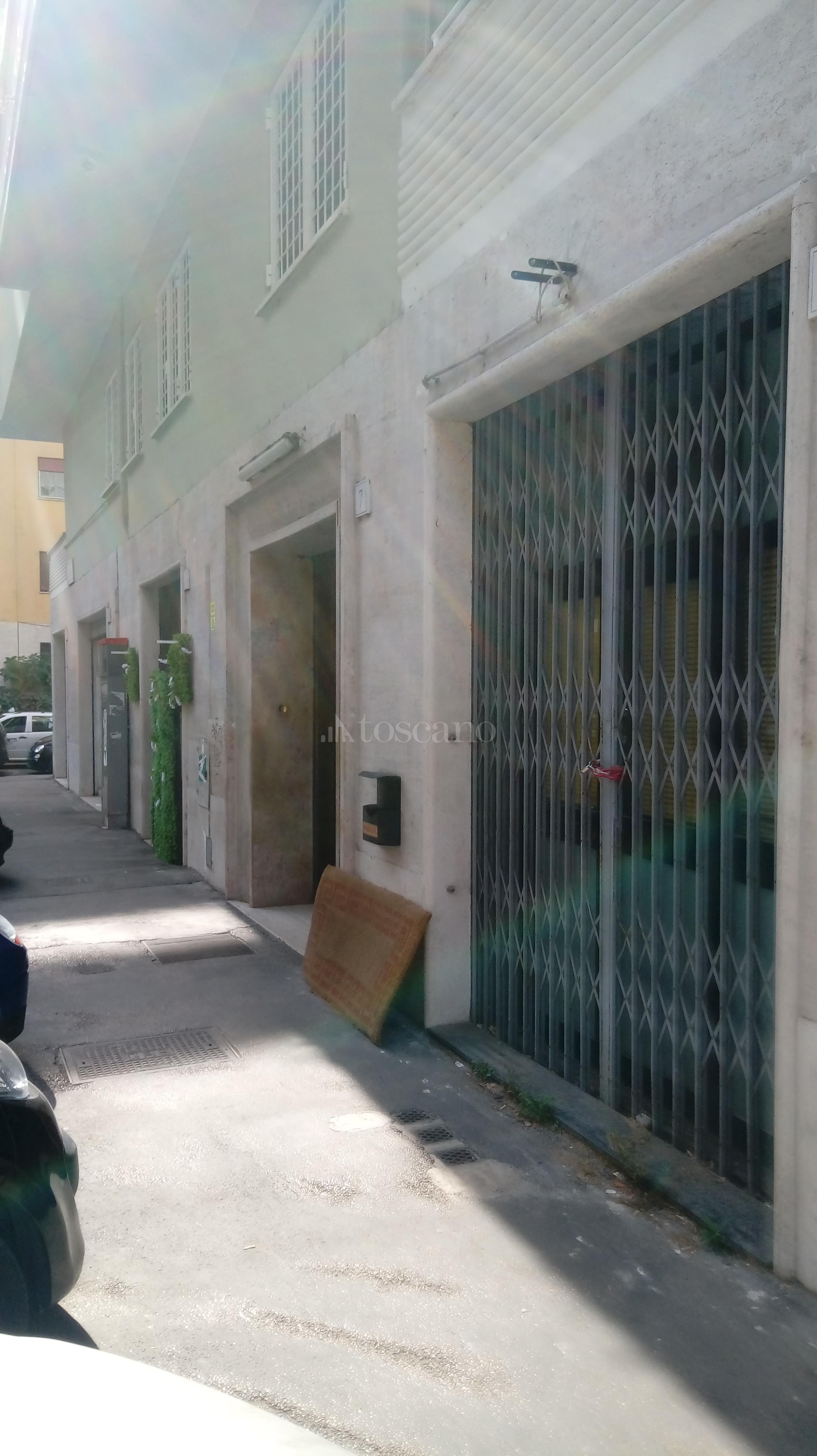 Rustico/Casale/Masseria in vendita a Roma in Via Valle Corteno