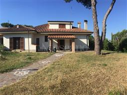 Villa in vendita di 300 mq a €820.000 (rif. 145/2016)