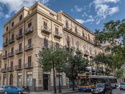 Palazzina in vendita di 1.000 mq a €2.200.000 (rif. 283/2015)