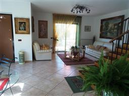 Villa Bifamiliare in vendita di 350 mq a €360.000 (rif. 48/2016)