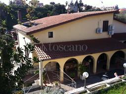 Villa in vendita di 400 mq a €639.000 (rif. 70/2016)