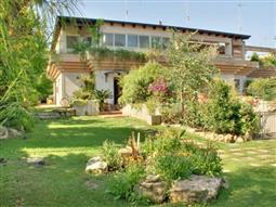 Villa in vendita di 320 mq a €495.000 (rif. 11/2016)