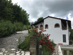 Villa in vendita di 700 mq a €1.150.000 (rif. 76/2016)