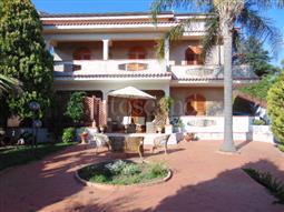 Villa in vendita di 400 mq a €1.300.000 (rif. 63/2016)
