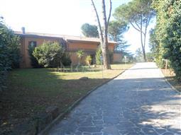 Villa Bifamiliare in vendita di 500 mq a €870.000 (rif. 168/2016)