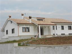 Villa in vendita di 550 mq a €490.000 (rif. 169/2015)