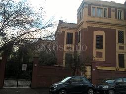 Villa in vendita di 300 mq a €1.990.000 (rif. 110/2015)