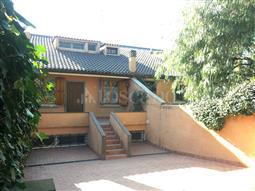 Villa Plurifamiliare in vendita di 305 mq a €699.000 (rif. 26/2017)