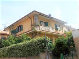 Villa in vendita di 215 mq a €590.000 (rif. 14/2017)