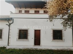 Villino a Schiera in vendita di 300 mq a €865.000 (rif. 83/2016)