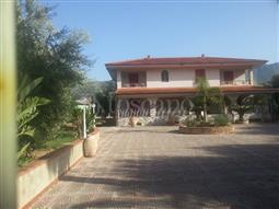 Villa in vendita di 530 mq a €595.000 (rif. 73/2015)