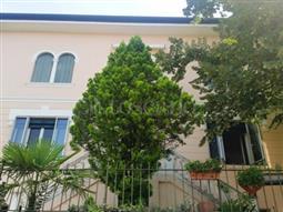Villa Bifamiliare in vendita di 200 mq a €920.000 (rif. 57/2016)