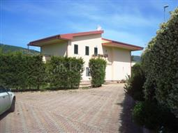 Villa in vendita di 400 mq a €700.000 (rif. 29/2015)