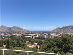 Villa in vendita di 698 mq a €990.000 (rif. 79/2016)