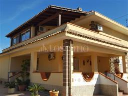Villa in vendita di 365 mq a €390.000 (rif. 15/2017)