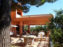 Villa in vendita di 440 mq a €790.000 (rif. 83/2016)